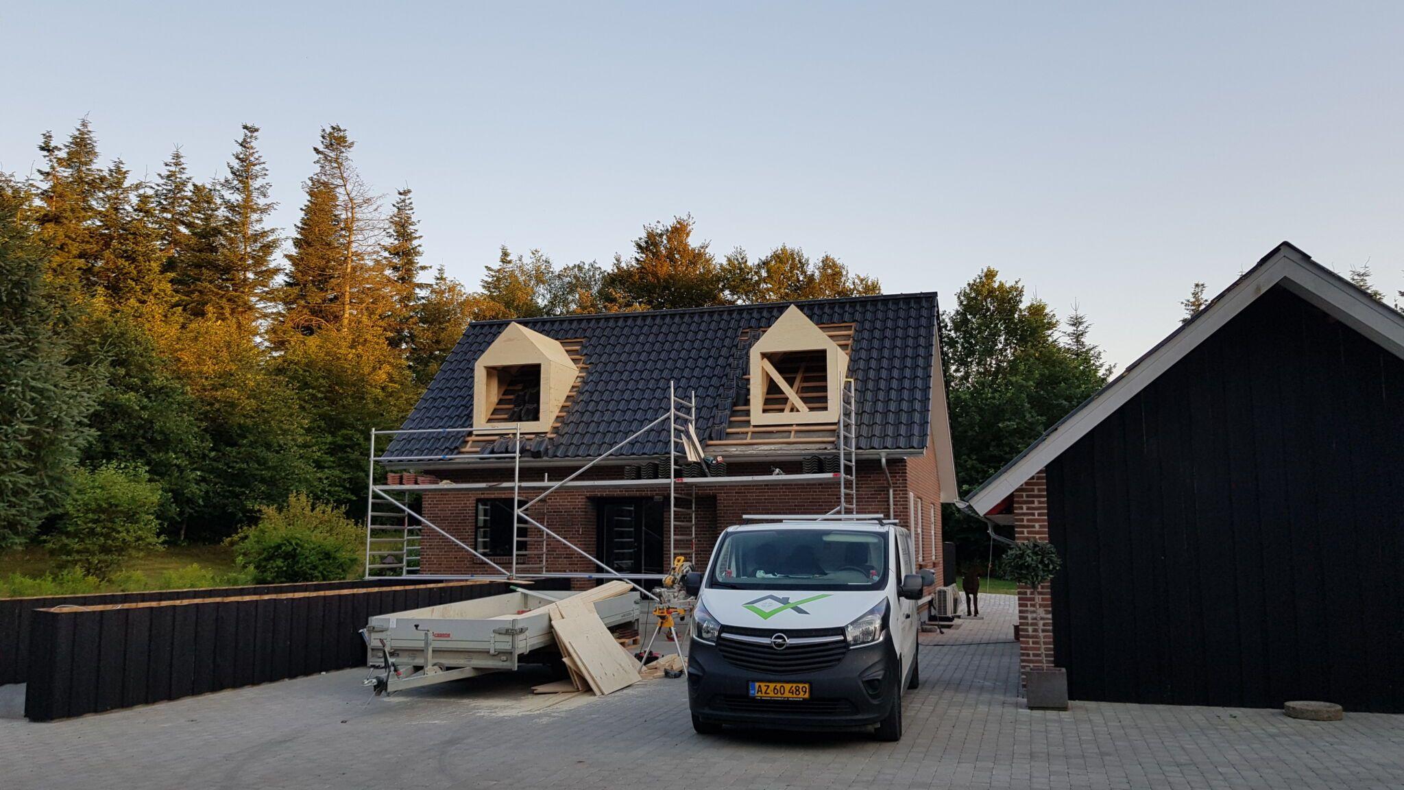Nyt-tag-på-hus-Lindegaardbygmaugstrup